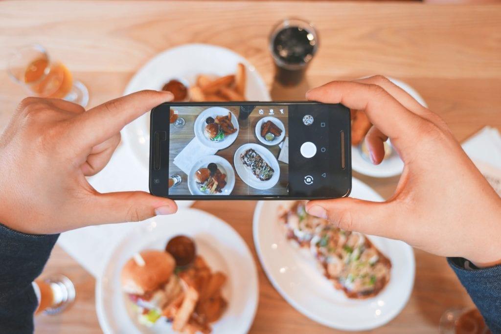 Hacer equipo con el influencer correcto puede ser una parte integral de su estrategia de marketing para eventos.