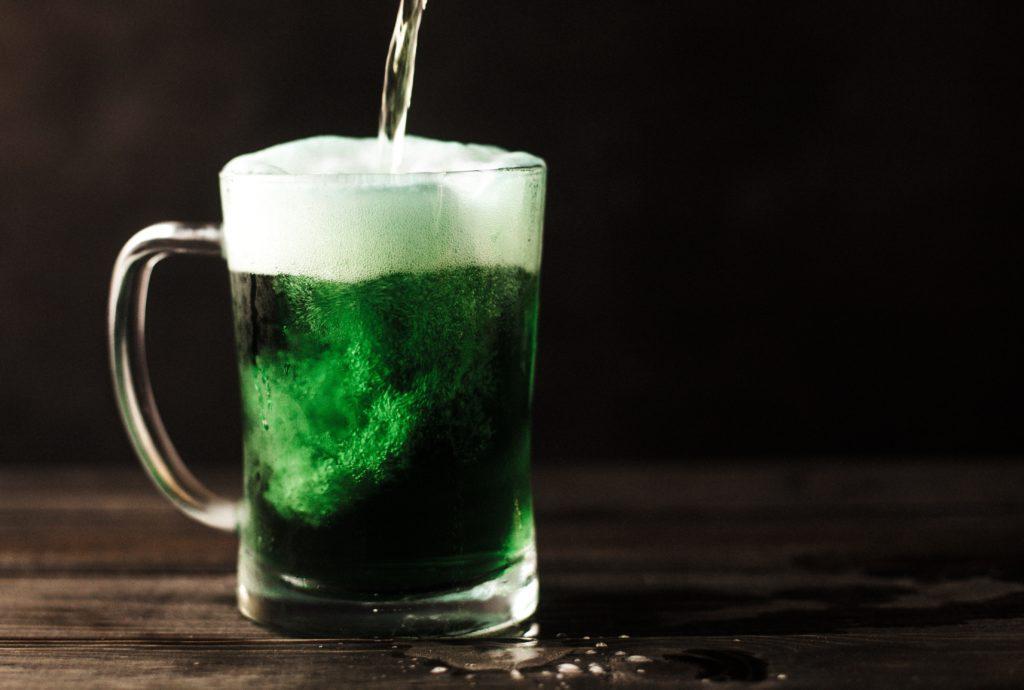 St. Patrick's Day eventidéer: Om du inte kan göra en grön tårta, gör en grön... öl?