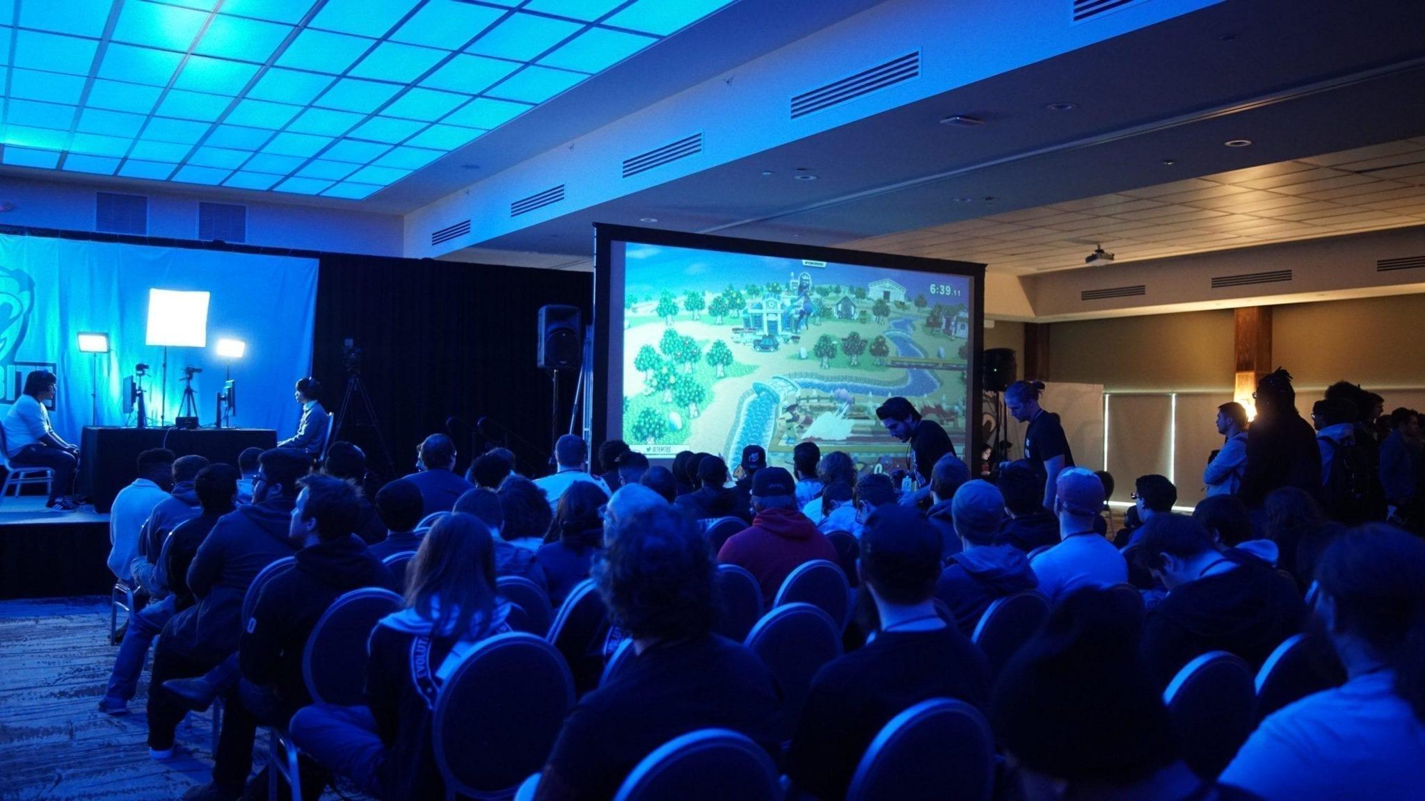 Público viendo un torneo de videojuegos.