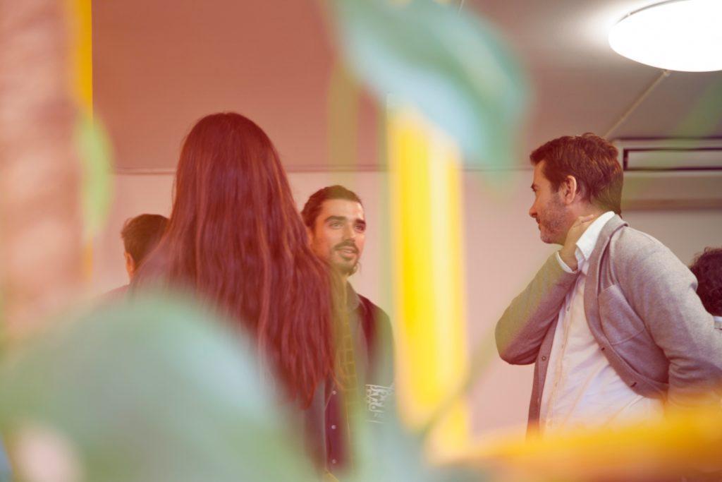 Organizzatore di eventi freelance: collegati con quante più persone possibili.
