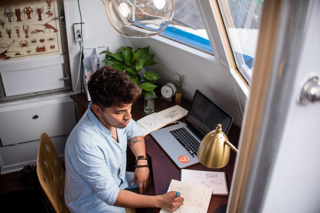 Organizzatore di eventi freelance: trovare lavoro necessita di tante ricerche e prospettive.
