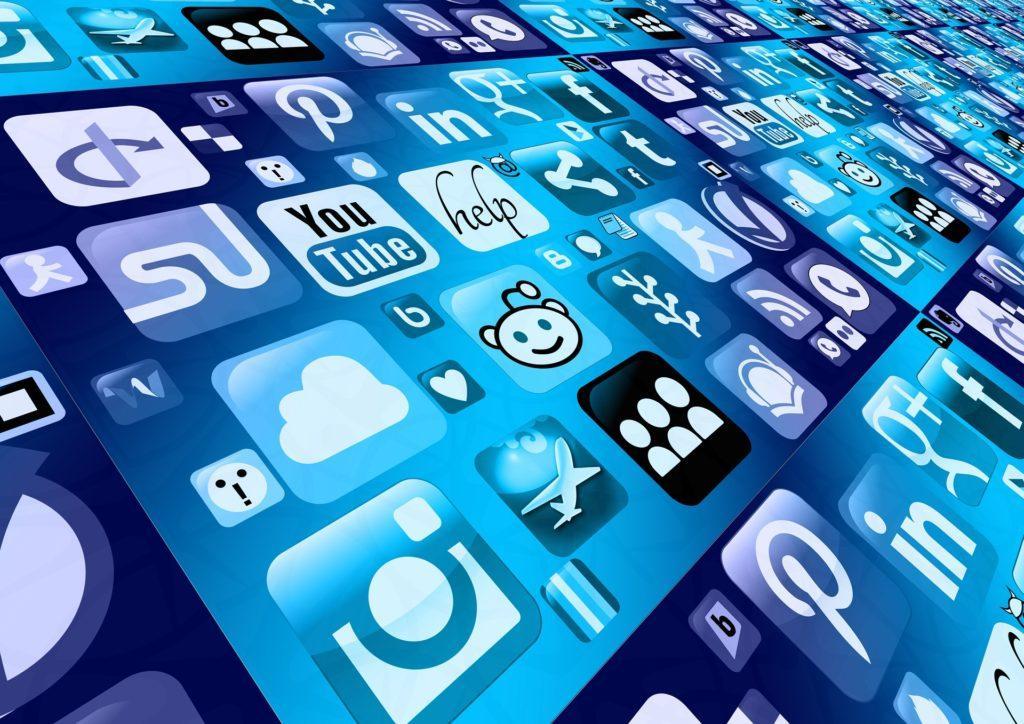 Tapahtumat bloggaajille: Ole yhteydessä bloggaajiin sosiaalisen median avulla.