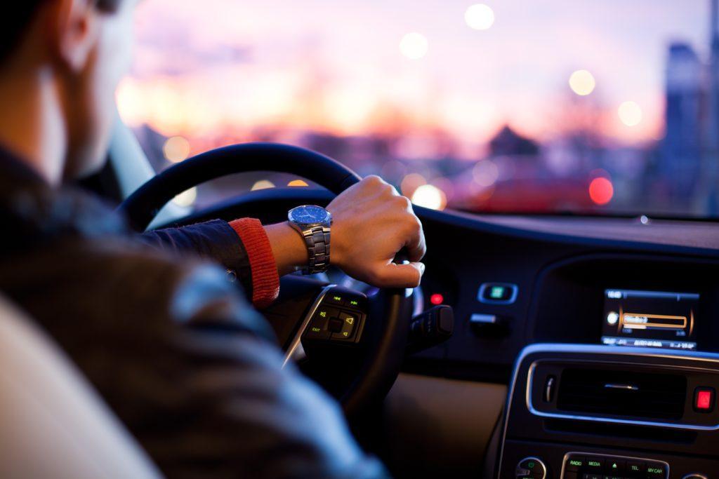 Idee per eventi per festa del papà: tieni un test drive