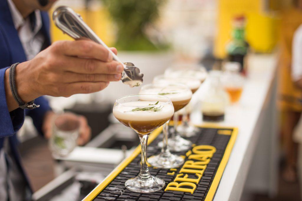 Hvor mye koster det å holde en musikkfestival: Det ser ut som en bar, men det er faktisk en gullgruve.