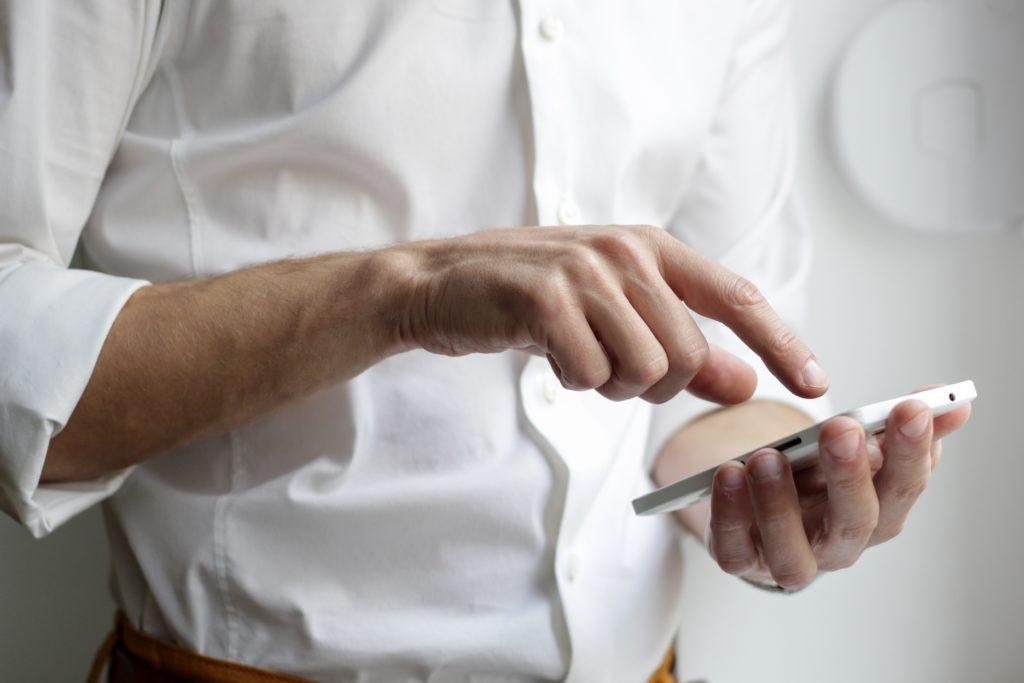Agenda de conferencia: Asegúrese de incluir una versión digital en la aplicación de su conferencia.