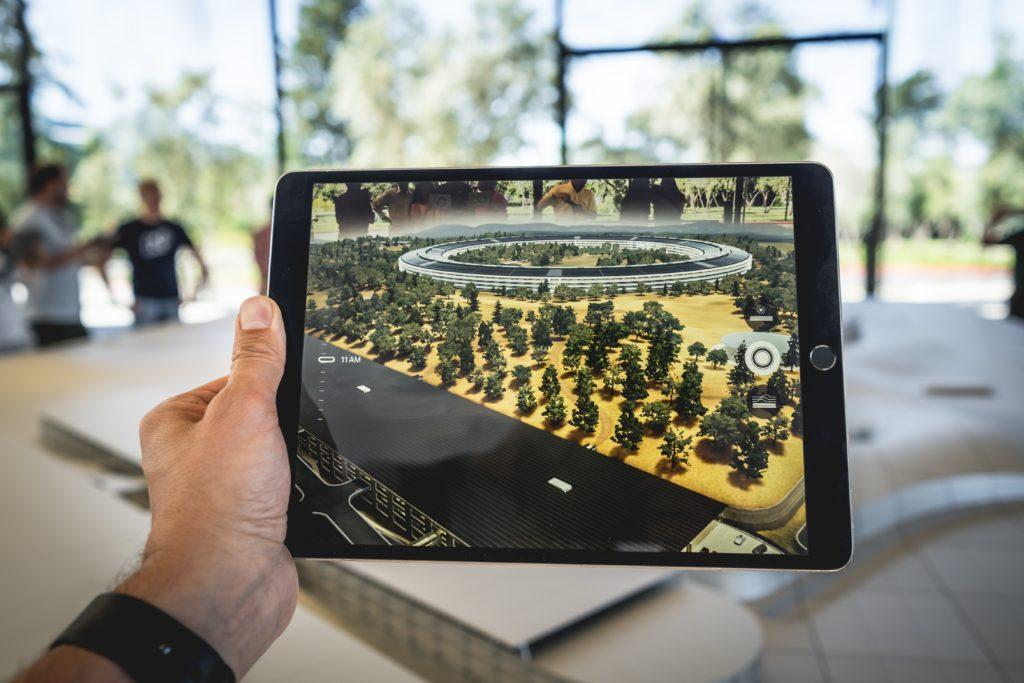 Réalité Augmentée et Virtuelle pour évènements : L'AR peut littéralement ajouter de nouvelles couches visuelles.