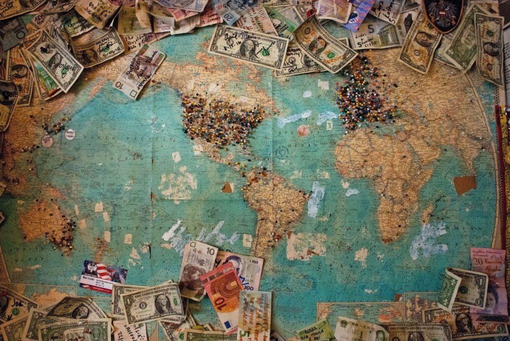 Gör det möjligt för dina deltagare att betala i sin valda valuta.